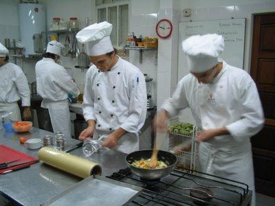 Los cubiertos se cobran pero no se llevan la terminal for Escuela de cocina