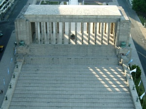 Monumento a la bandera, propileo, C Scabuzzo