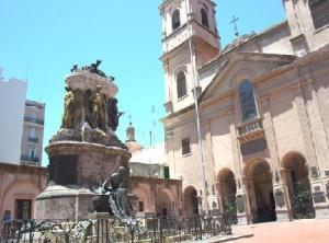 basílica Nuestra Señora del Rosario, en Buenos Aires, y el mausoleo del General Manuel Belgrano.