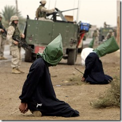 Detenidos durante una intervencuión en Irak