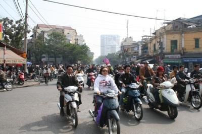 Resultado de imagen de chinos en moto