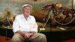 """El Prof. Dr. José Fernando Bonaparte nació aquí en Rosario, Argentina, el 14 de junio de 1928.   Descubrió una plétora de dinosaurios sudamericanos, que modificaron el conocimiento mundial que se tenía hasta ese entonces al revelar la diferencia notable entre los dinosaurios del hemisferio Sur, el antiguo supercontinente de Gondwana, y aquellos que vivieron en el norte, en el antiguo supercontinente Laurasia. Distinguido con el apelativo de """"Amo de la era Mesozoica"""" por el paleontólogo estadounidense Robert Bakker, Bonaparte formó científicamente a toda una nueva generación de paleontólogos argentinos de relevancia internacional."""
